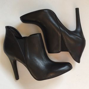 EUC BCBG Leather heels